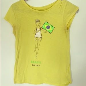 Yellow gap T-shirt